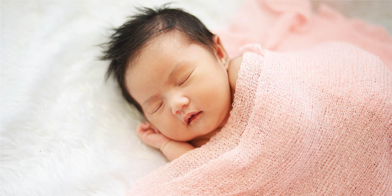 Tips Membuat Foto Bayi Baru Lahir Tanpa Fotografer